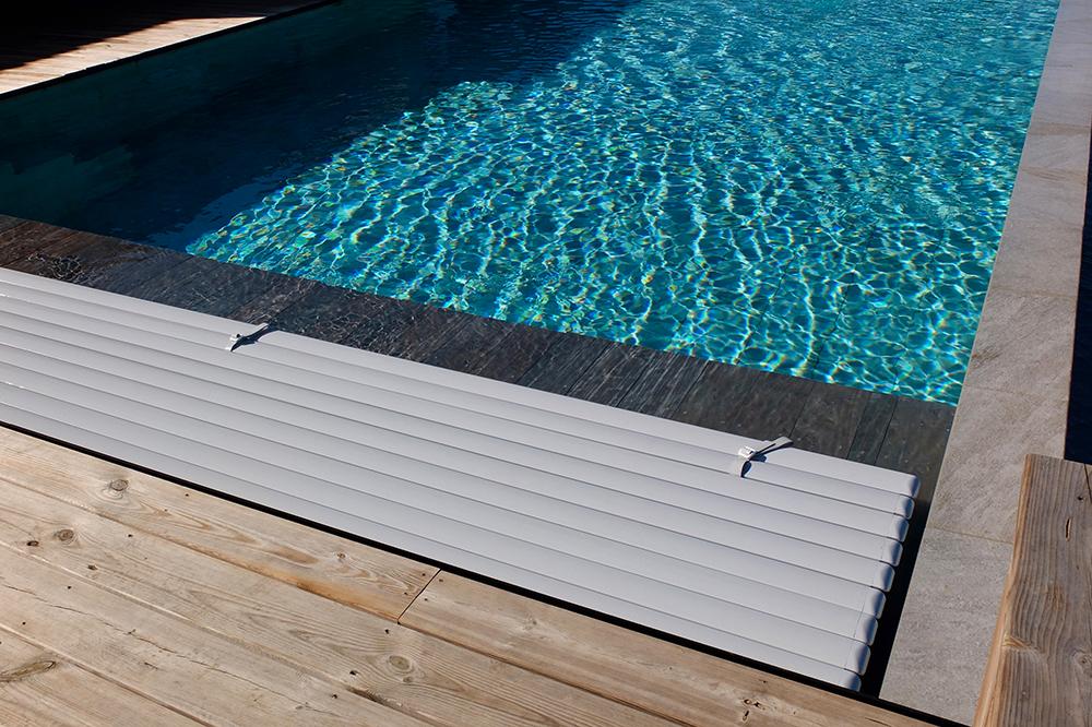 Aquatic cover 600
