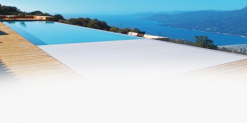 Couverture de piscine immergee